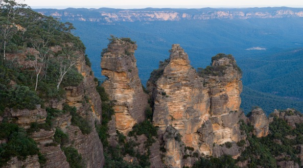 Blue_mountains_-_three_sisters